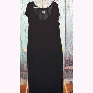 Black jersey maxi dress with double knee high slit
